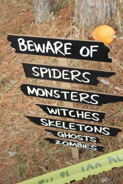 Spooky Signs Decorate Your Doorstep for Fun this Halloween